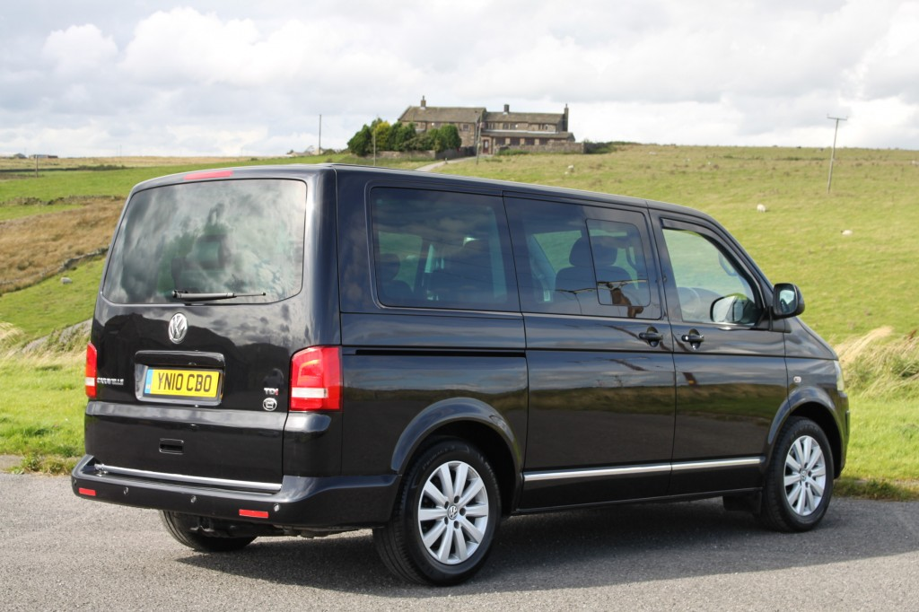 VOLKSWAGEN CARAVELLE 2.0 EXECUTIVE TDI 5DR AUTOMATIC, 6/7 SEATS LEATHER