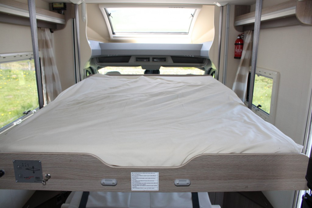 CHAUSSON WELCOME 620 FORD TRANSIT, 4 BERTH, DROP DOWN BED, WITH GARAGE AND SATELLITE DISH