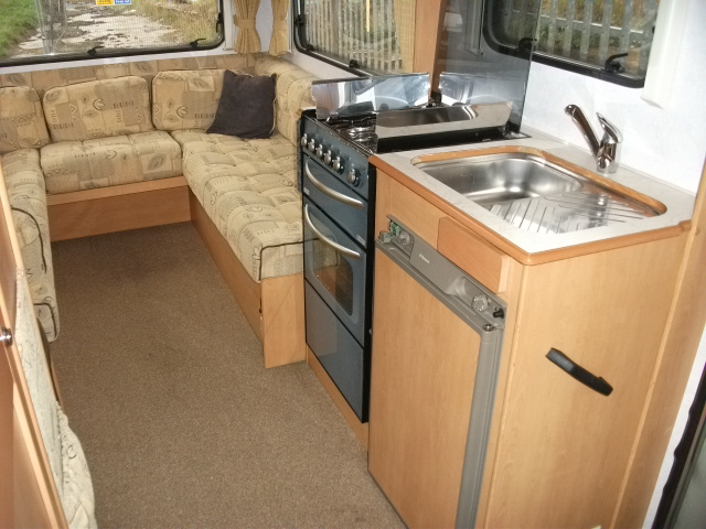 COMPASS AVANTGARDE 400 U REAR LOUNGE, 4 BERTH, 2.2 TD