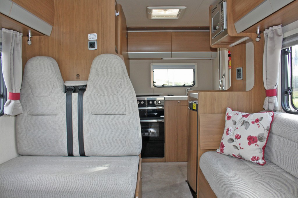 AUTO-TRAIL IMALA 620 AUTOMATIC, 5 BERTH, WITH OPTION PACKS, 3500KG GVW