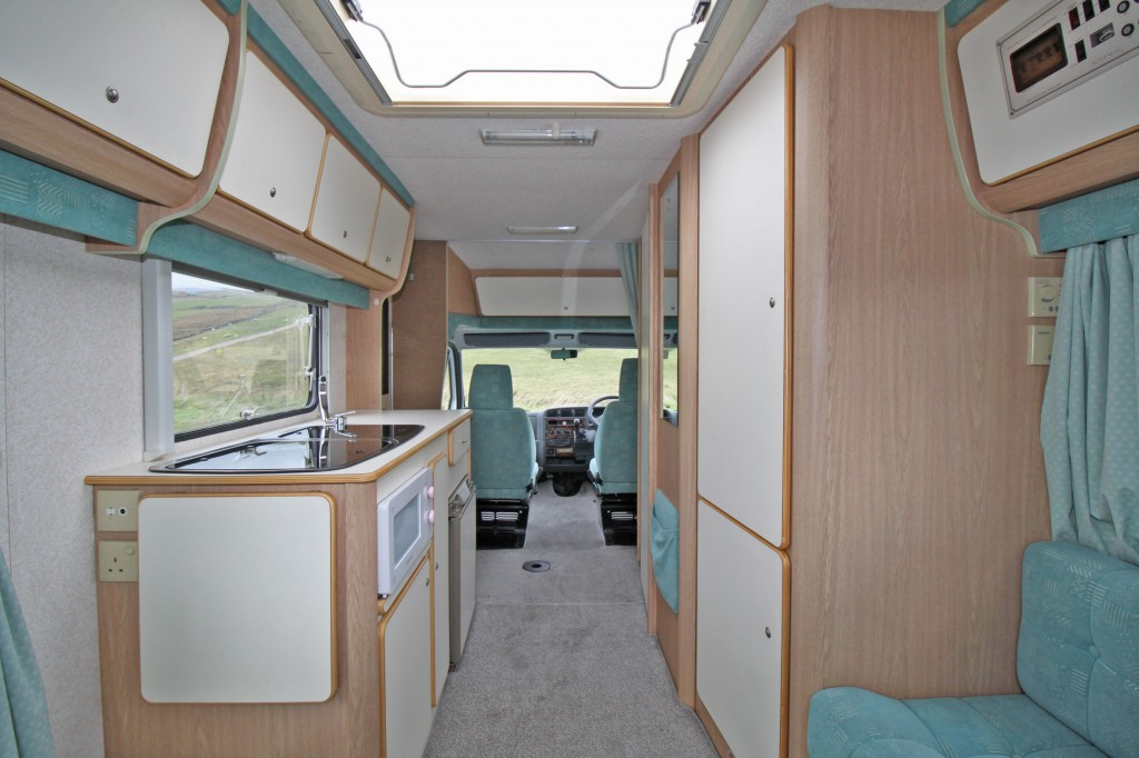 AUTOCRUISE Stardream REAR LOUNGE