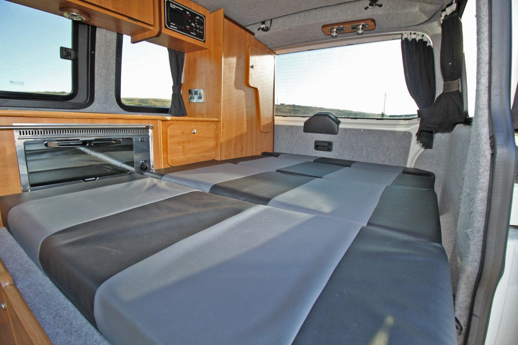 VOLKSWAGEN Transporter EXPLORER POP TOP CAMPER