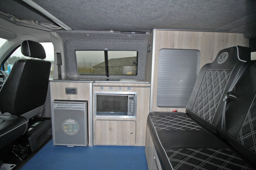 VOLKSWAGEN Transporter 4 BERTH POP TOP CAMPER