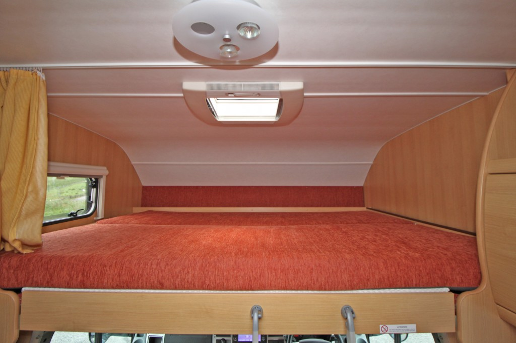 TEC FREETEC XS 594 5 BERTH, 4 SEAT BELT, UNDER 6 METERS, 3500kg GVW, FORD 2.2 DURATEC 140HP, 6 SPEED
