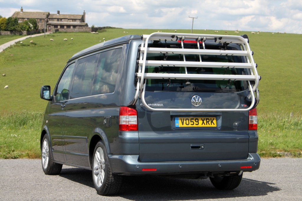 VOLKSWAGEN CALIFORNIA SE 2.5 TDi 174hp 6 SPEED, 4 BERTH, 4 SEAT BELTS, HIGH SPEC, ONE OWNER