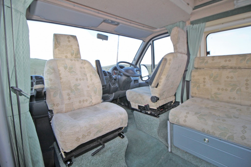AUTO-SLEEPER SYMBOL 4 BERTH FULLY EQUIPPED MOTORHOME WITH PEUGEOT 2200cc HDi UPGRADE