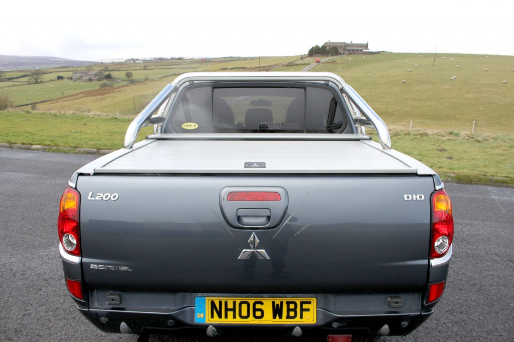 MITSUBISHI L200 2.5 ANIMAL LWB DCB