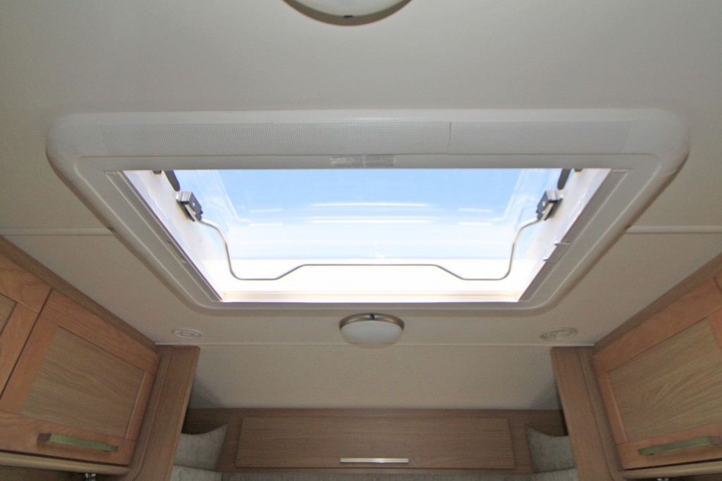 ELDDIS Majestic 155 REAR FRENCH BED,FRONT LOUNGE