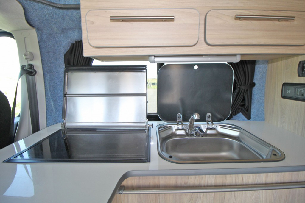 RENAULT Trafic 4 BERTH POP TOP CAMPER