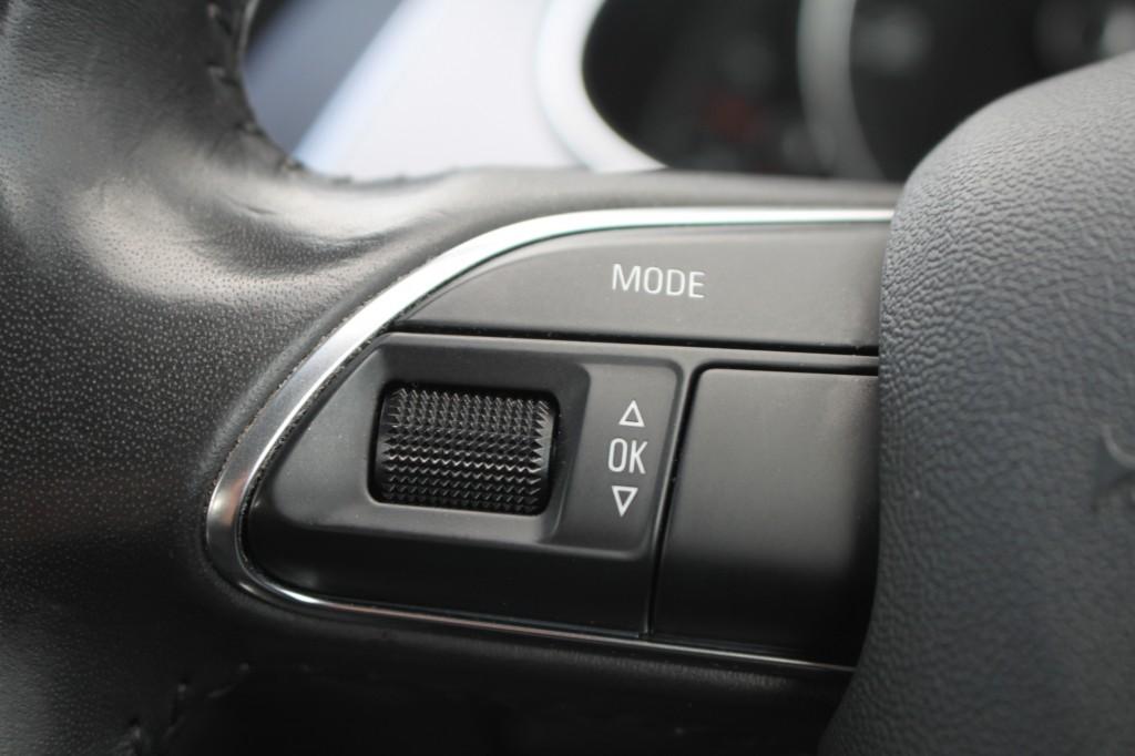AUDI A4 2.0 AVANT TDI SE TECHNIK 5DR