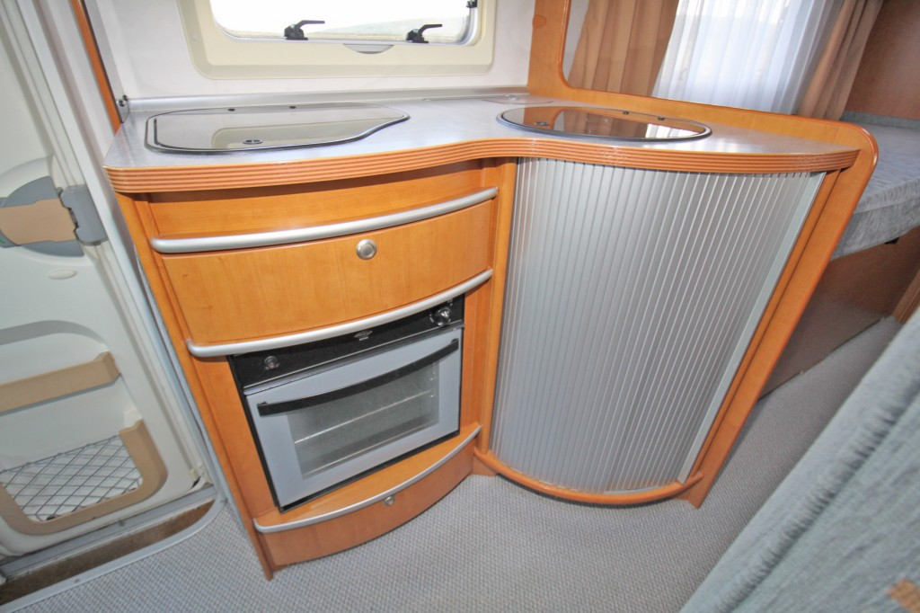 GEIST Touring 710 3/4 BERTH WITH TWIN REAR SINGLE  BEDS