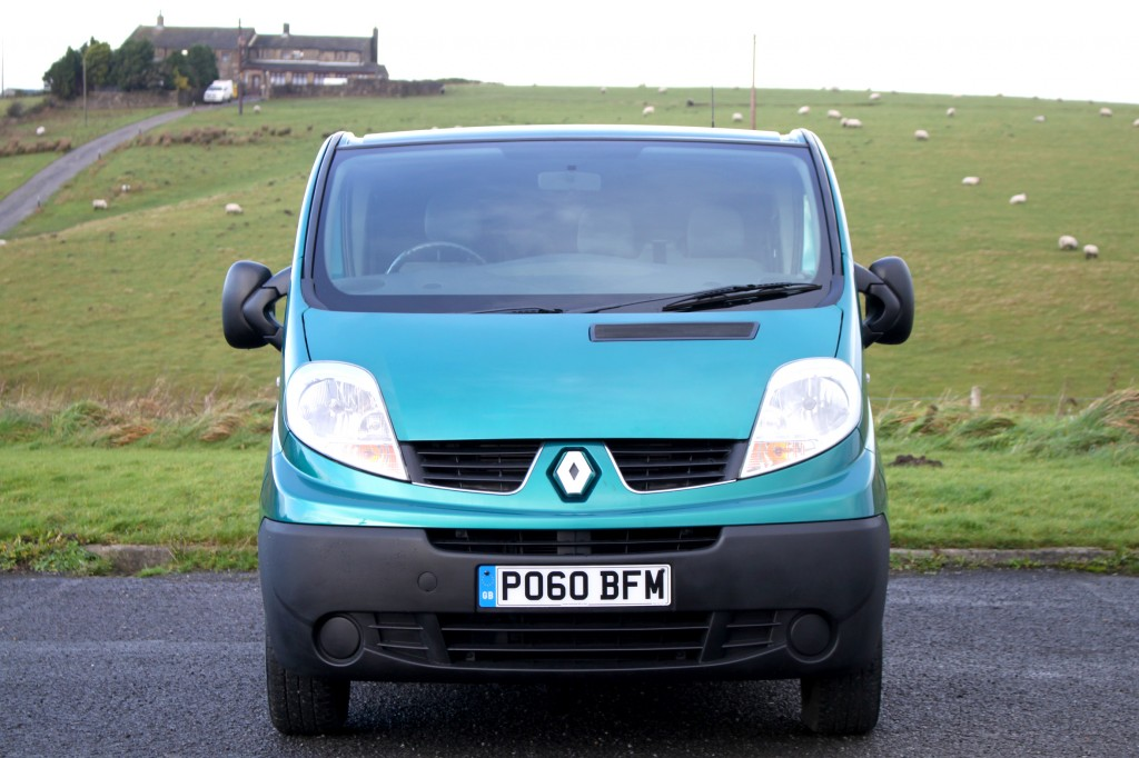 RENAULT TRAFIC 2.0 SL27 STANDARD DCI 5DR  AUTOMATIC