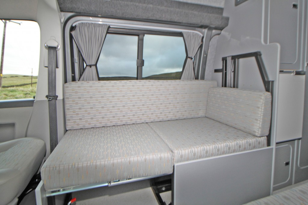VOLKSWAGEN TRANSPORTER NOMAD 4 BERTH, 140hp AUTOMATIC, BATHROOM WITH CASSETTE TOILET, 1 OWNER, 24,000 MLS