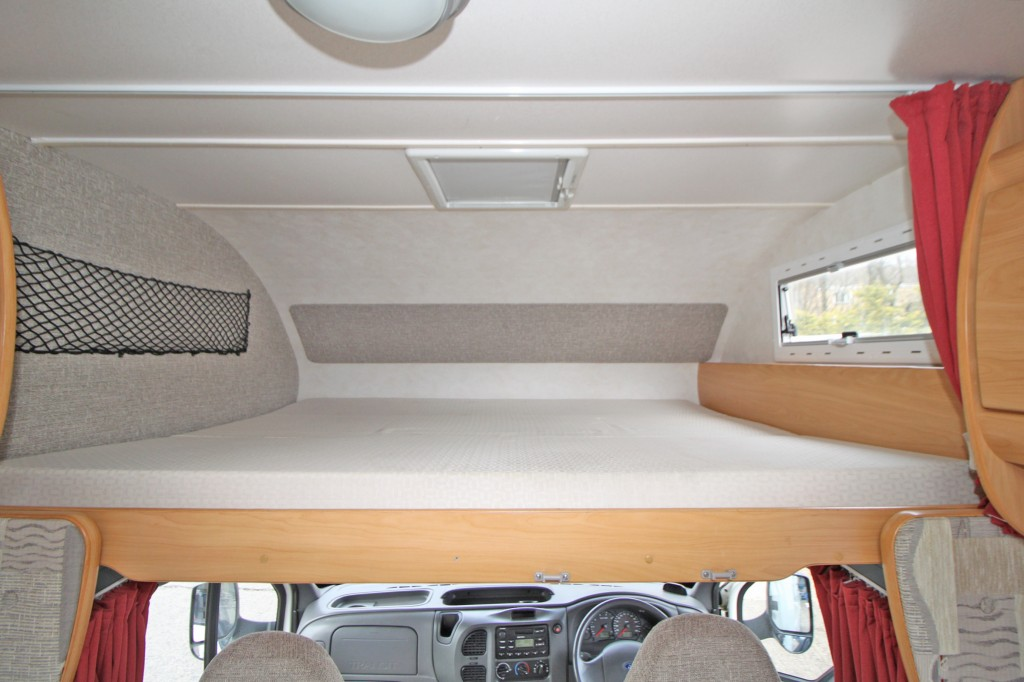CHAUSSON WELCOME 27 5 BERTH, 4 SEAT BELT, FIXED REAR BED