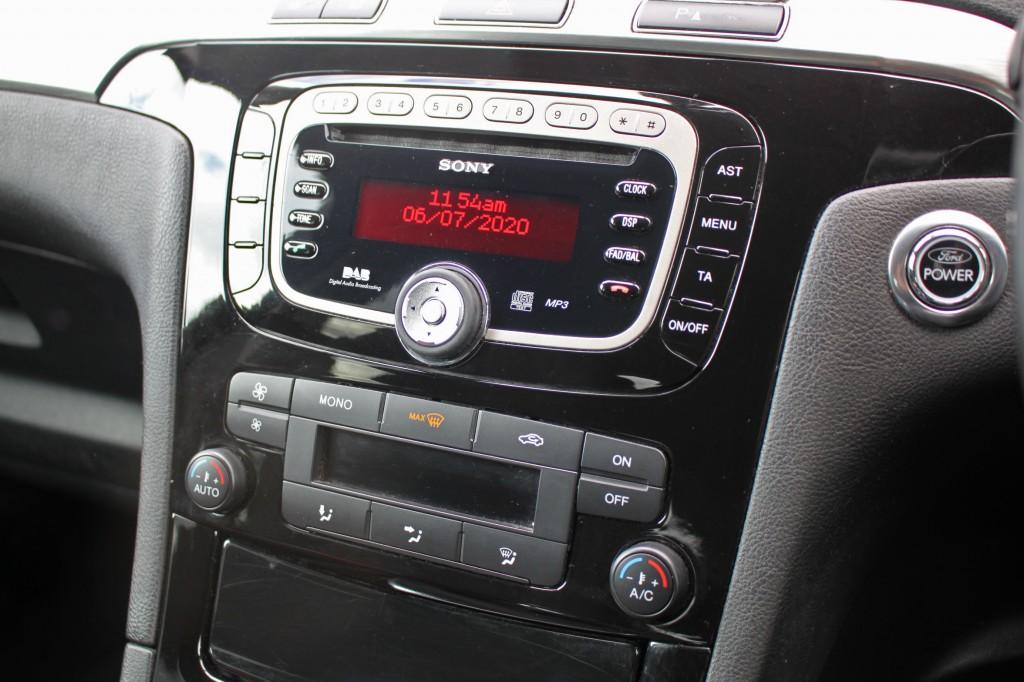 FORD S-MAX 2.0 TITANIUM TDCI 5DR