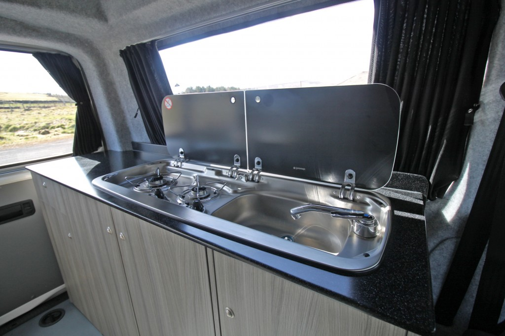 ROLLING HOMES Livingstone ROLLING HOMES  LIVINGSTON, ONLY 9363 MLS, HIGH-LINE 4MOTION 4x4, REAR KITCHEN/TOILET CONVERSION