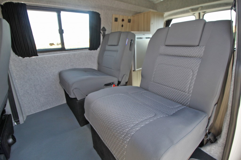VOLKSWAGEN Transporter ROLLING HOMES  LIVINGSTON, ONLY 9363 MLS, HIGH-LINE 4MOTION 4x4, REAR KITCHEN/TOILET CONVERSION Co