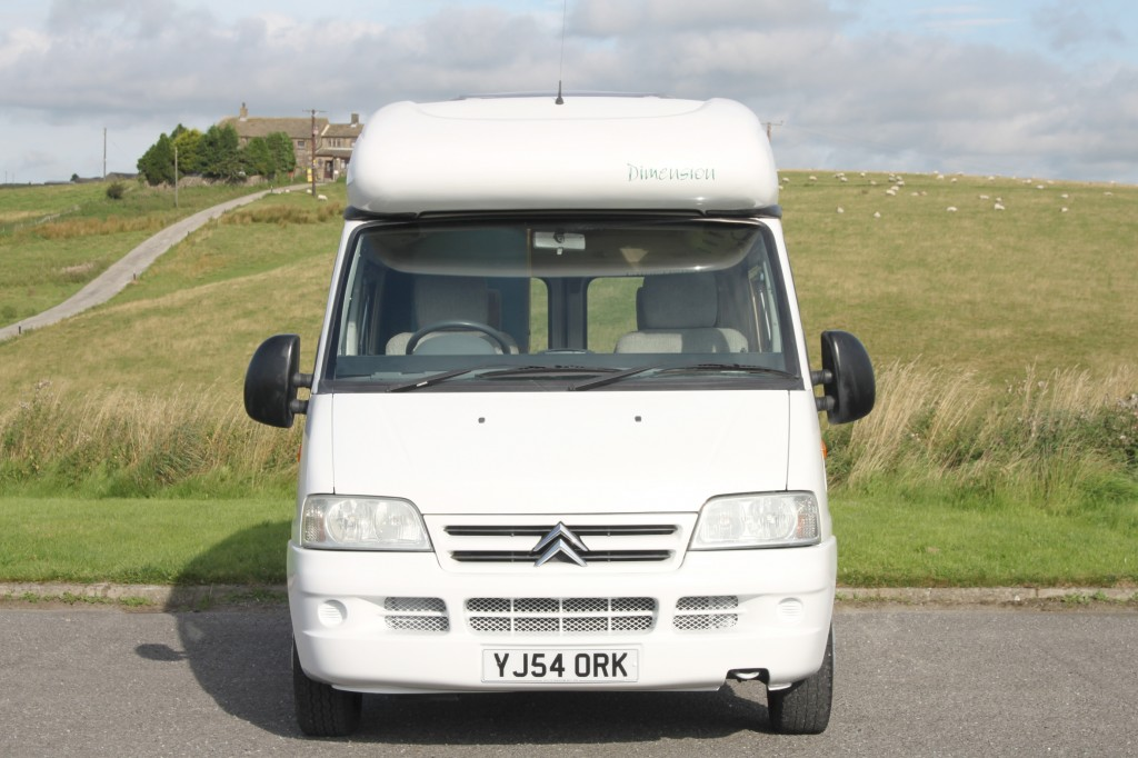 ROMAHOME DIMENSION FULLY EQUIPPED 2/3 BERTH MOTORHOME WITH BATHROOM, ONLY 4.9m LONG