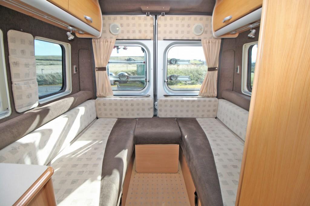AUTO-SLEEPER Warwick Rear Lounge