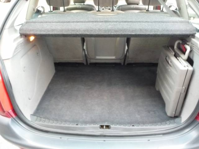 citroen xsara picasso 16v sx 5dr for sale in chorley mdc autos. Black Bedroom Furniture Sets. Home Design Ideas