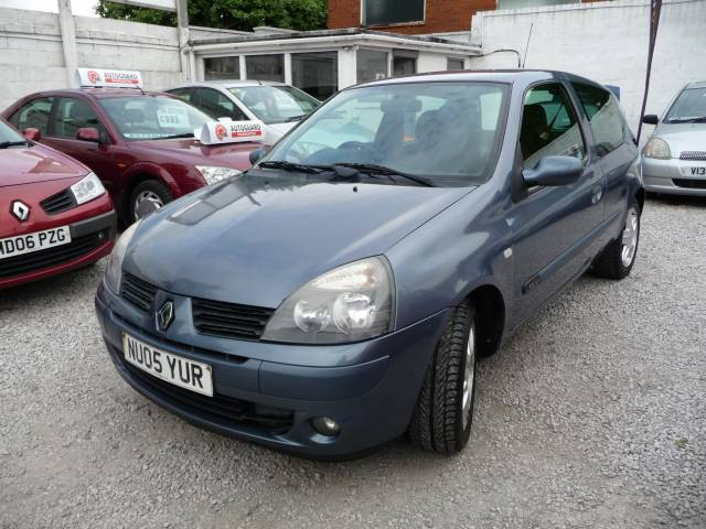 renault clio 1 2 16v extreme 4 3dr for sale in chorley mdc autos. Black Bedroom Furniture Sets. Home Design Ideas