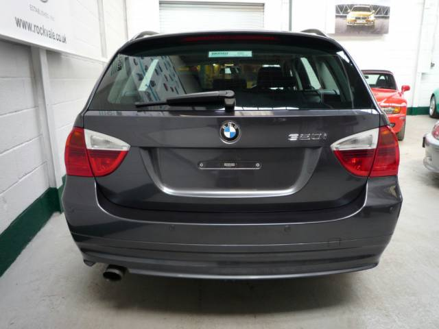 BMW 3 SERIES 320i ES 5dr