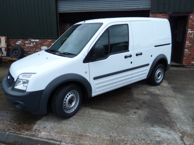 FORD TRANSIT CONNECT Low Roof Van TDCi 75ps