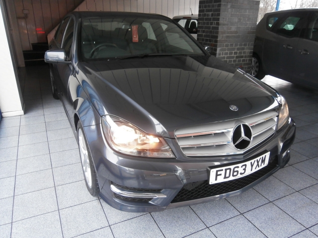 MERCEDES-BENZ C CLASS C200 CDI BlueEFFICIENCY AMG Sport 4dr Auto