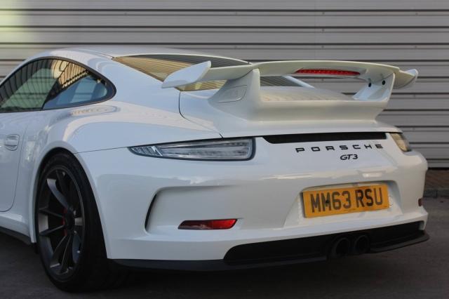 2013 (63) PORSCHE 911 GT3 2dr PDK | <em>4,100 miles