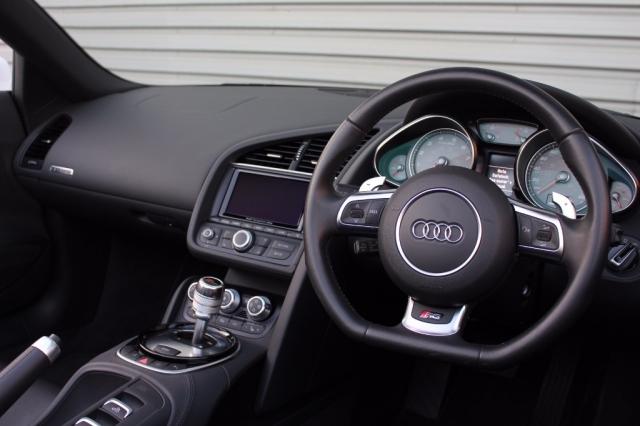 2013 (13) AUDI R8 4.2 FSI V8 Quattro 2dr S Tronic | <em>16,000 miles