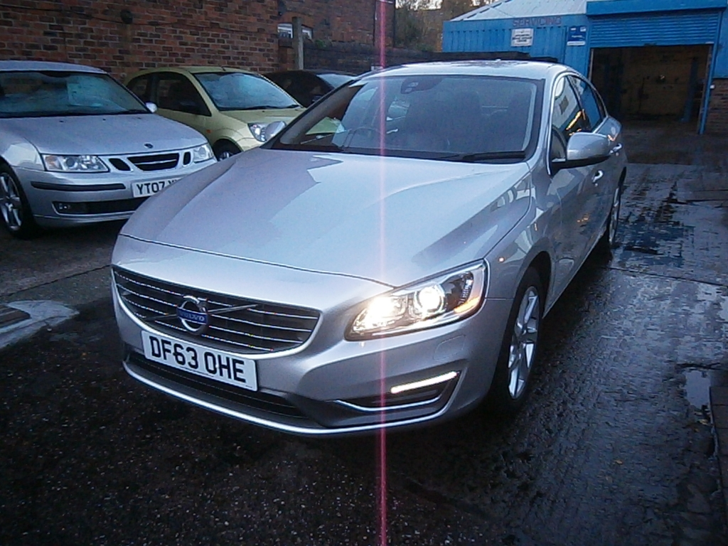 VOLVO S60 1.6 D2 SE LUX 4DR Manual