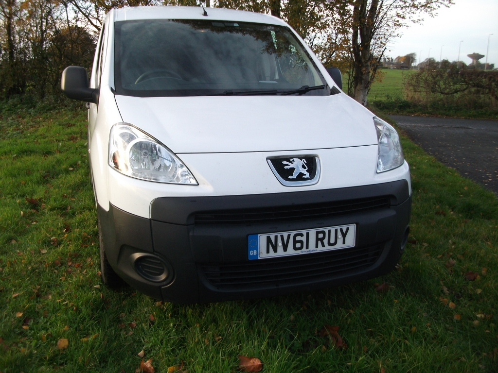 a5265edbe3 PEUGEOT PARTNER 1.6 HDI S L1 850 Manual For Sale in Ormskirk ...