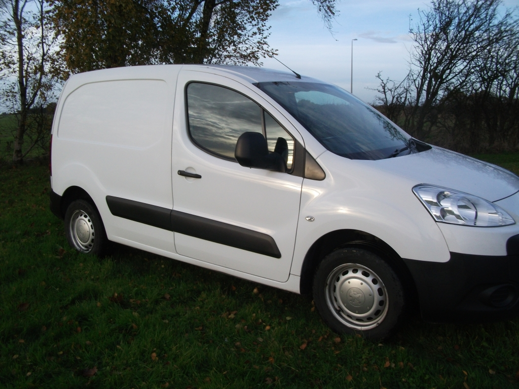 peugeot partner 1 6 hdi s l1 850 manual for sale in ormskirk bennett van sales. Black Bedroom Furniture Sets. Home Design Ideas