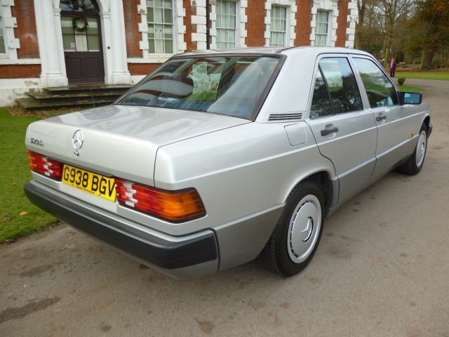 MERCEDES-BENZ 190 2.0 E 2.0 4DR Automatic