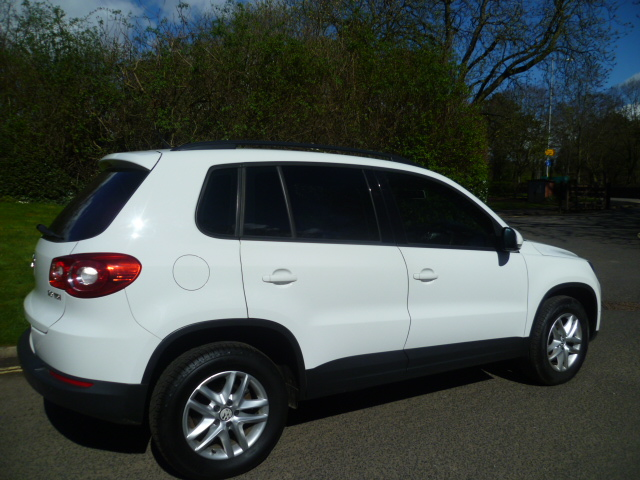 VOLKSWAGEN TIGUAN 2.0 S TDI 4MOTION 5DR Manual