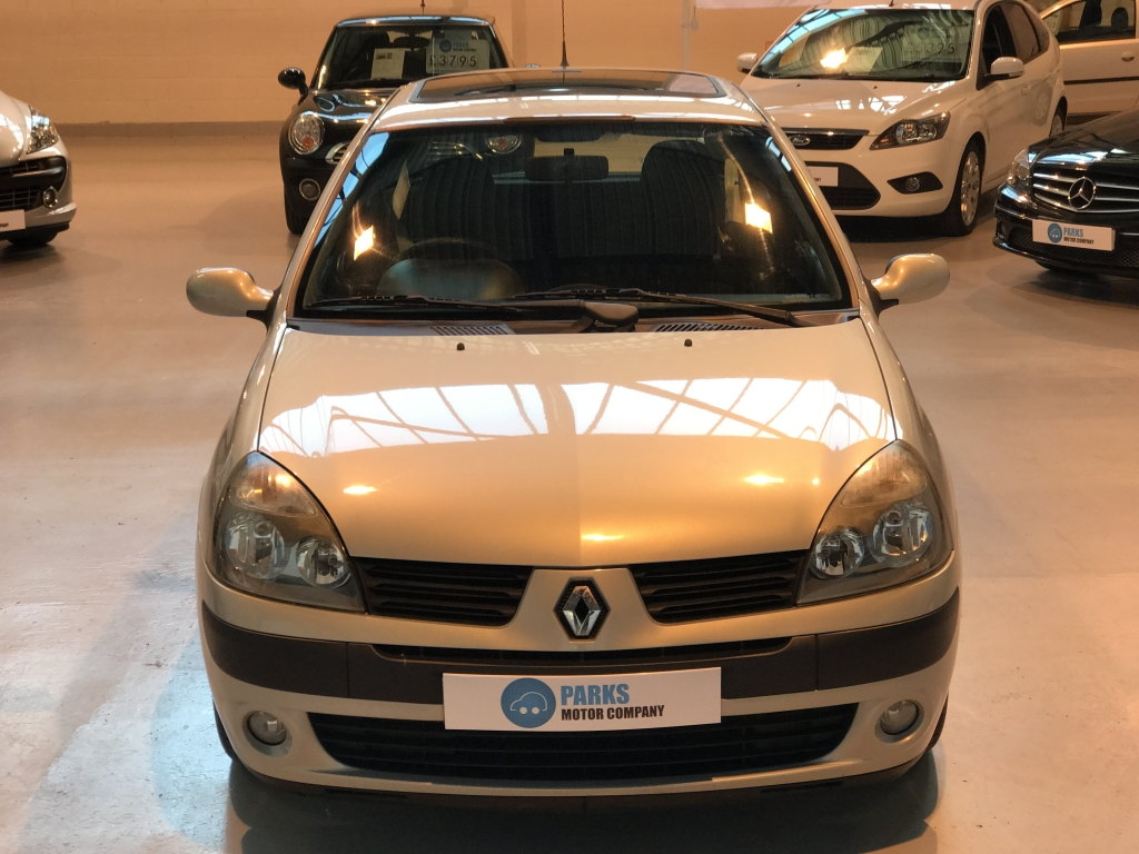 renault clio manual 2004 product user guide instruction u2022 rh testdpc co 2003 Renault Clio Renault Clio 2000