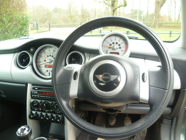 MINI HATCH 1.6 COOPER 3DR Manual
