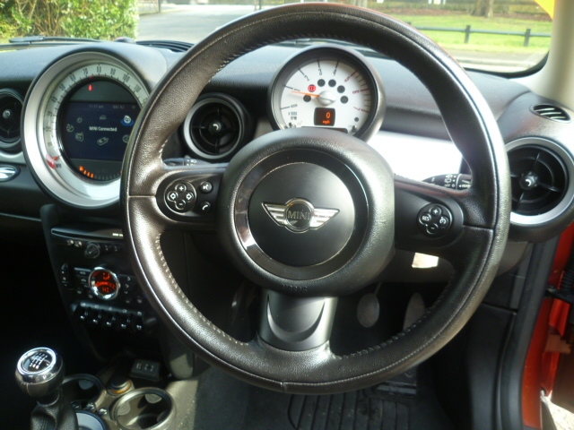 MINI HATCH 1.6 ONE D 3DR Manual