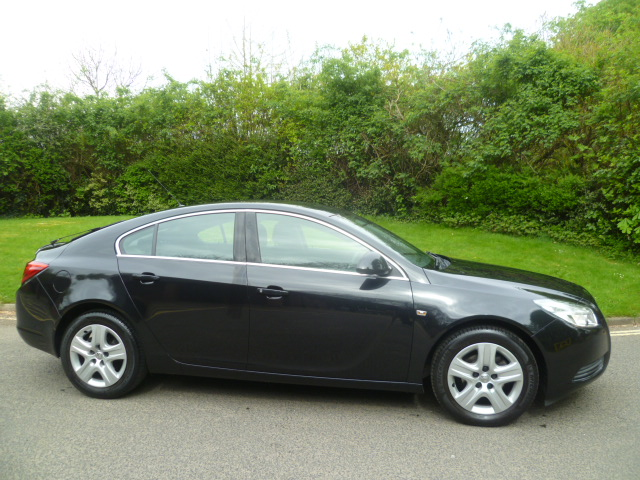 VAUXHALL INSIGNIA 1.8 EXCLUSIV 5DR Manual