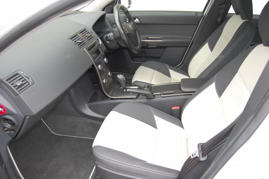 VOLVO S40 2.0 D3 R-DESIGN 4DR Automatic