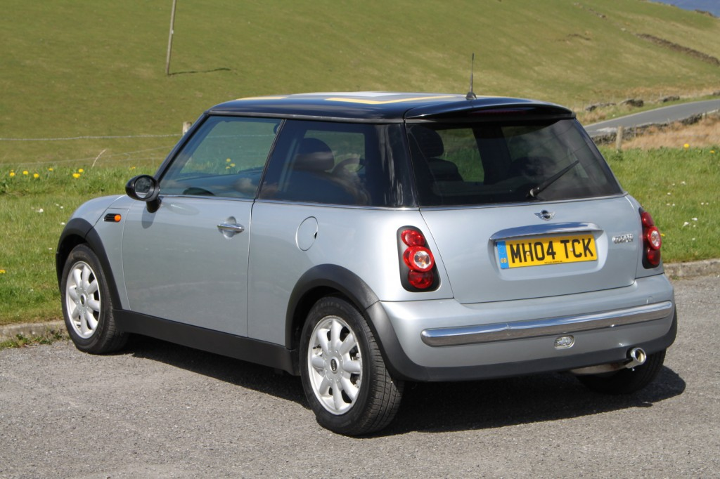 mini hatch 1 6 cooper 3dr manual for sale in bradford 04 Mini Cooper Rear 04 Mini Cooper Rear Spoiler