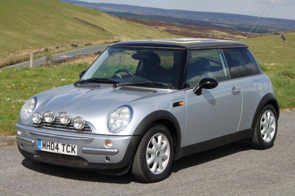 mini hatch 1 6 cooper 3dr manual for sale in bradford 04 Mini Cooper Rear Spoiler 04 mini cooper manual transmission fluid