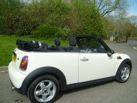 MINI CONVERTIBLE 1.6 ONE 2DR Manual