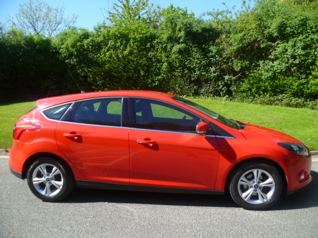 FORD FOCUS 1.0 ZETEC 5DR Manual