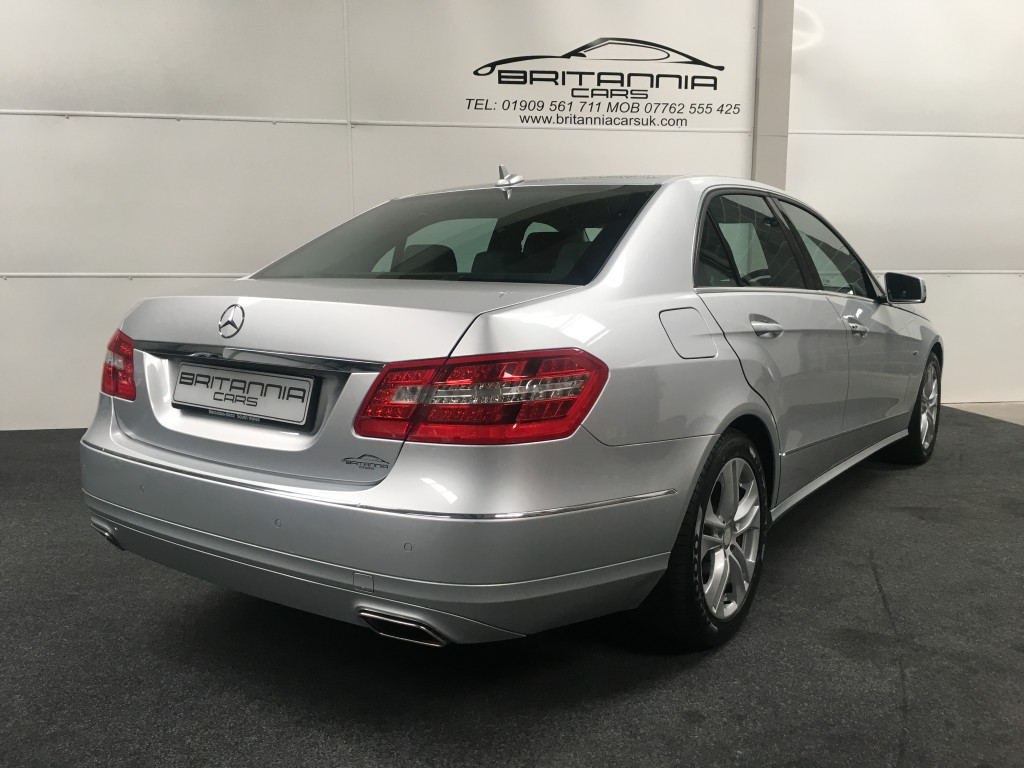 MERCEDES-BENZ E-CLASS 2.1 E250 CDI BLUEEFFICIENCY AVANTGARDE 4DR Automatic