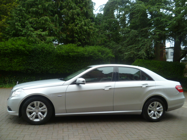 MERCEDES-BENZ E-CLASS 2.1 E220 CDI BLUEEFFICIENCY SE 4DR Automatic