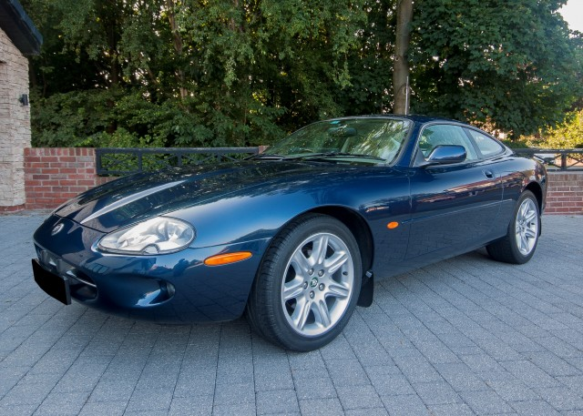 JAGUAR XK8 4.0 V8 COUPE 2DR Automatic
