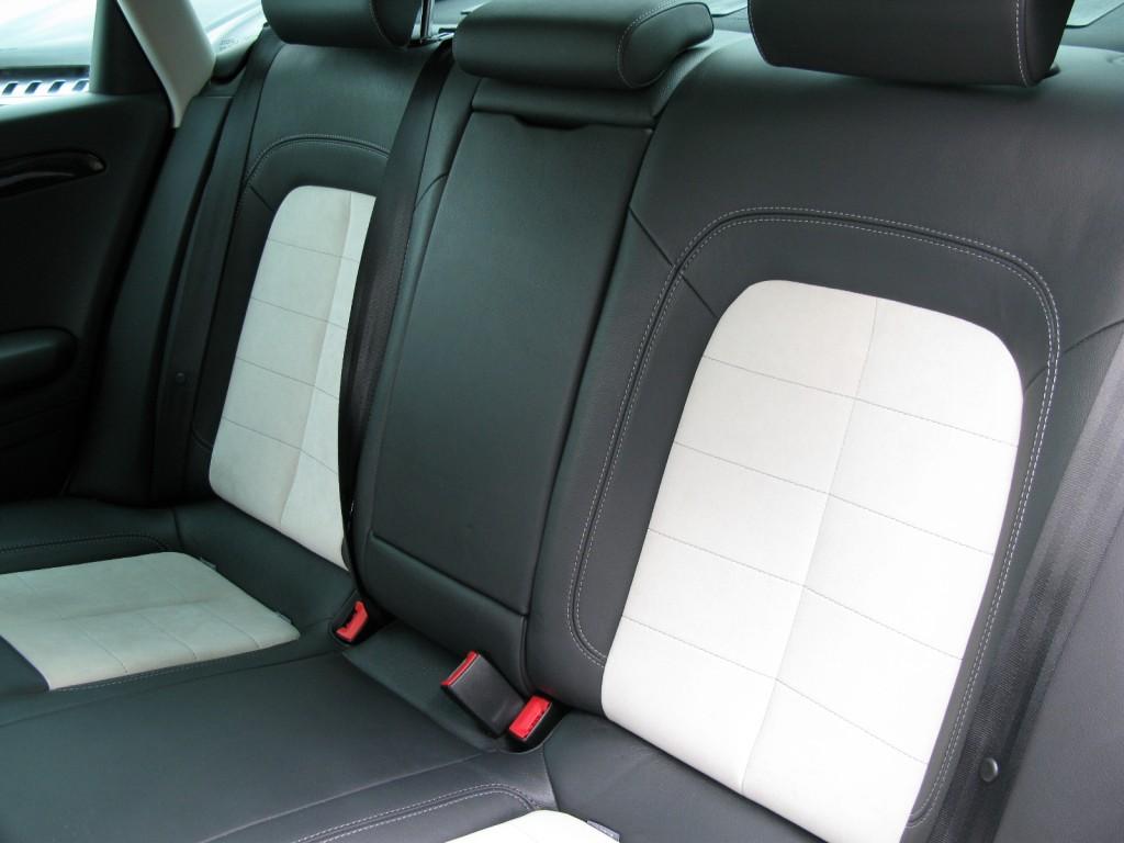 SEAT EXEO 2.0 CR TDI SPORT TECH 4DR Manual