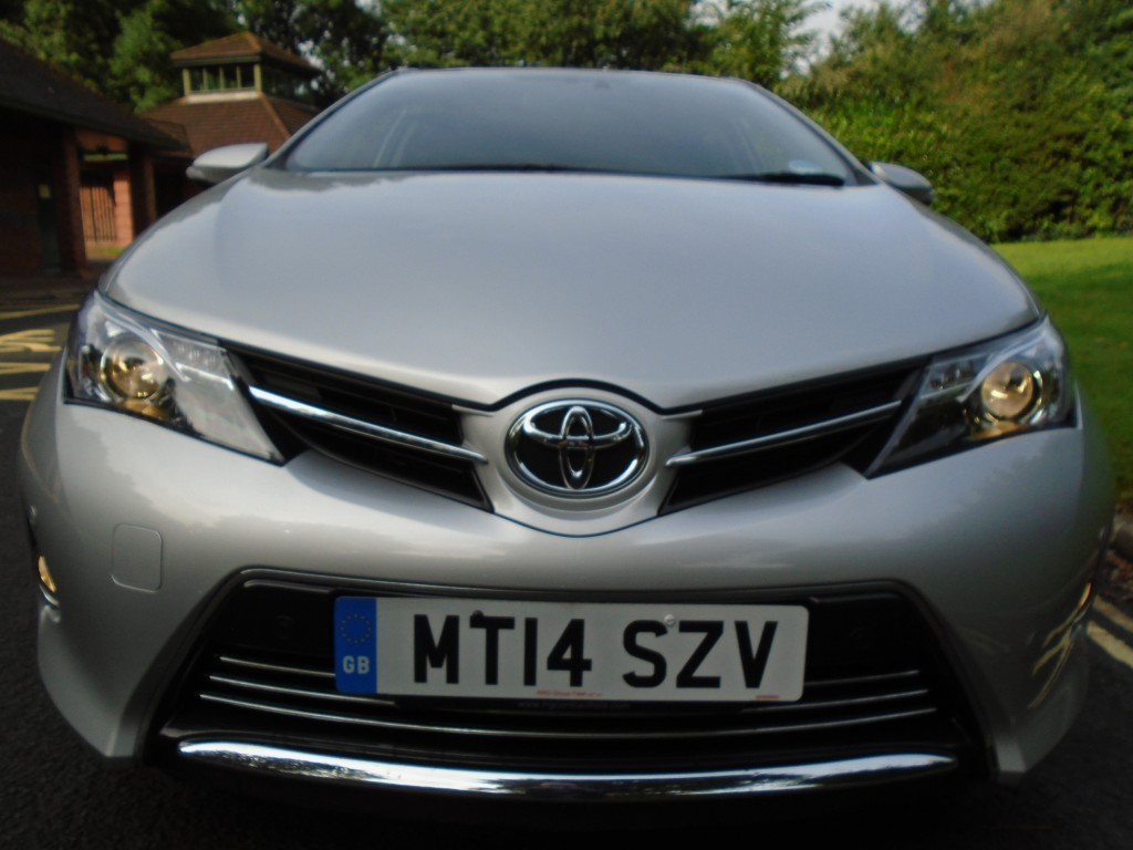 TOYOTA AURIS 1.4 D-4D EXCEL 5DR Manual