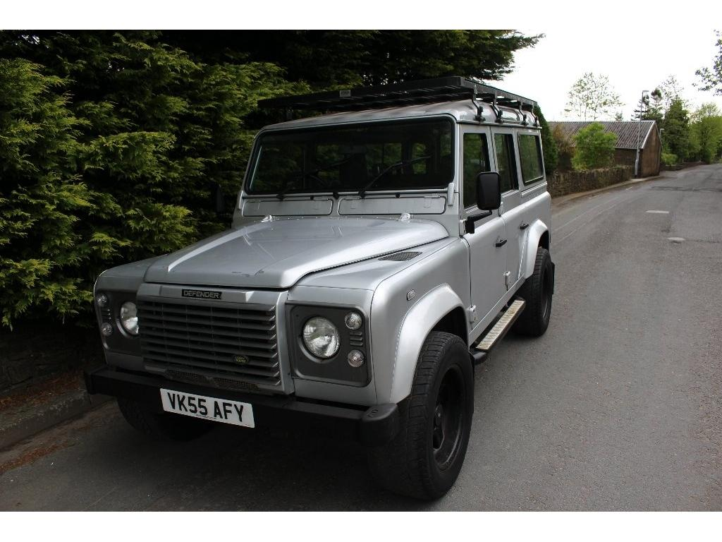 LAND ROVER DEFENDER 2.5 110 TD5 XS STATION WAGON 5DR